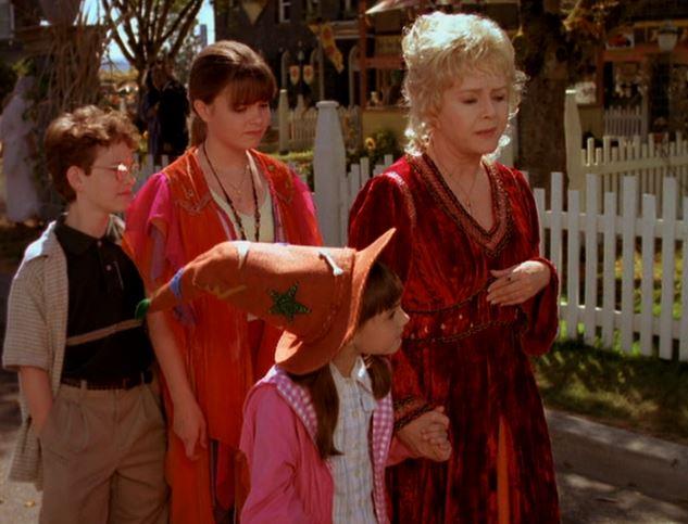 "Кадр из фильма ""Хэллоуинтаун"" 1998 года"