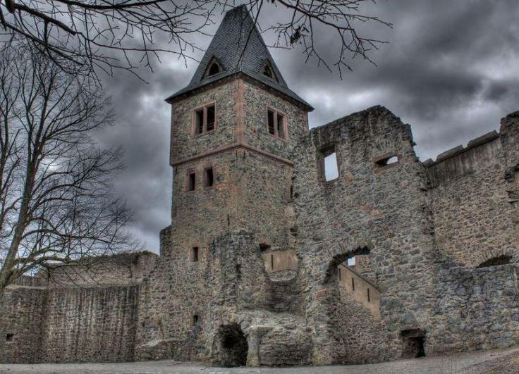Замок Франкенштейна в Дармштадте (федеральная земля Гессен)